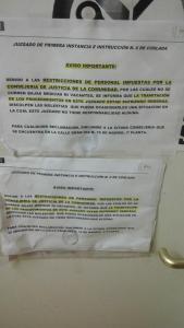 cartel en Coslada  vía @ClementeAbogado  por falta de personal