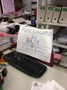 funcionario de baja vía @JCaleroRomero